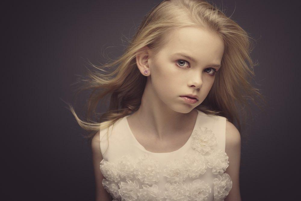 children's portraits girl