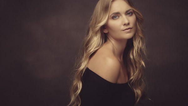 Sarah womens portrait photography featured